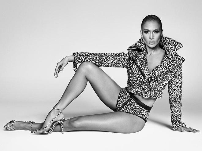 Jennifer Lopez ra mat thuong hieu giay moi, dan mang nhiet tinh ung ho hinh anh 1 1_1.jpg
